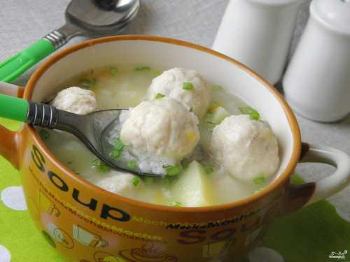 Куриный суп в мультиварке из филе, с сердечками и фрикадельками