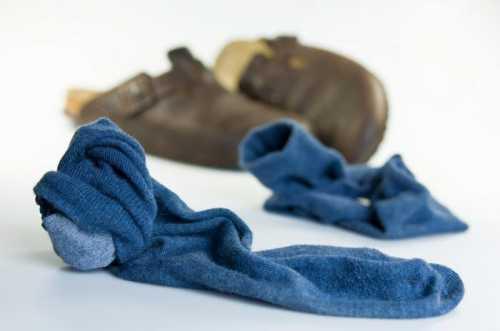 Как избавиться от запаха обуви: что можно
