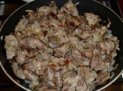 Рецепты мяса жареного с луком на сковороде,