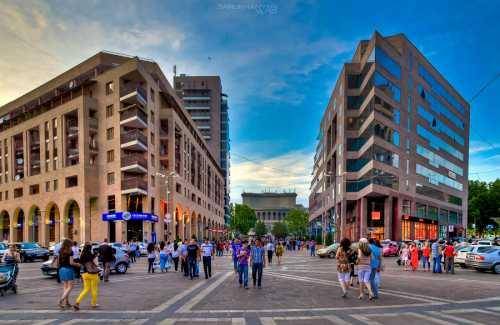 Ереван, Армения в мае