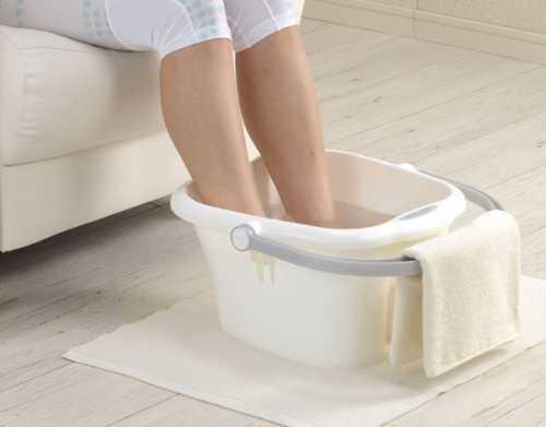 Народные средства для лечения отеков ног